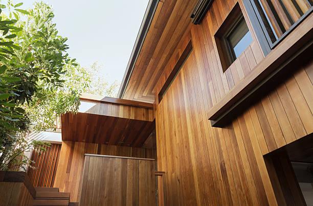Zoom façade maison bois